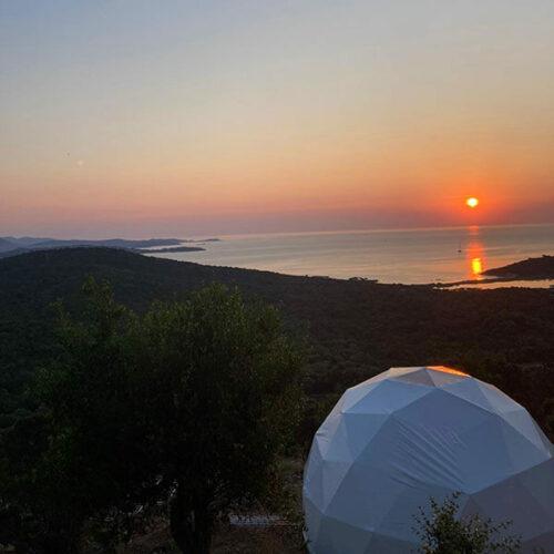 Domaine de Sonia Vue extérieure avec coucher de soleil