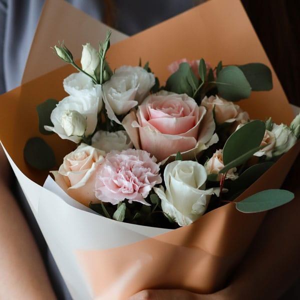 Bouquet de fleurs : 45€