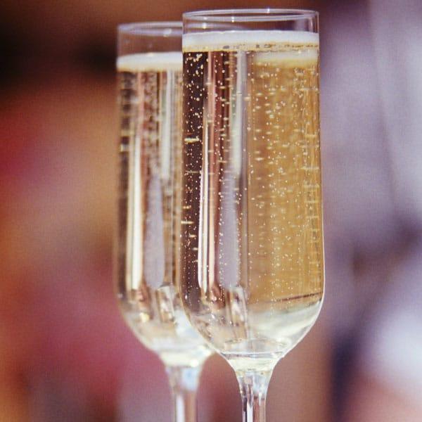 Bouteille de champagne haut de gamme : 75€